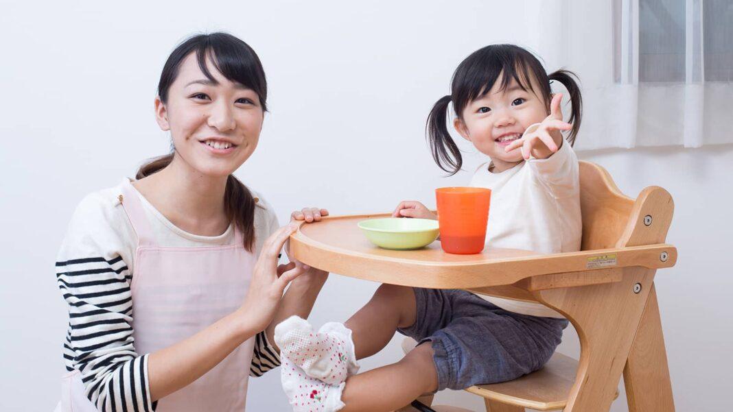 家庭的保育事業とは?メリット デメリットから保育者の収入まで徹底解説